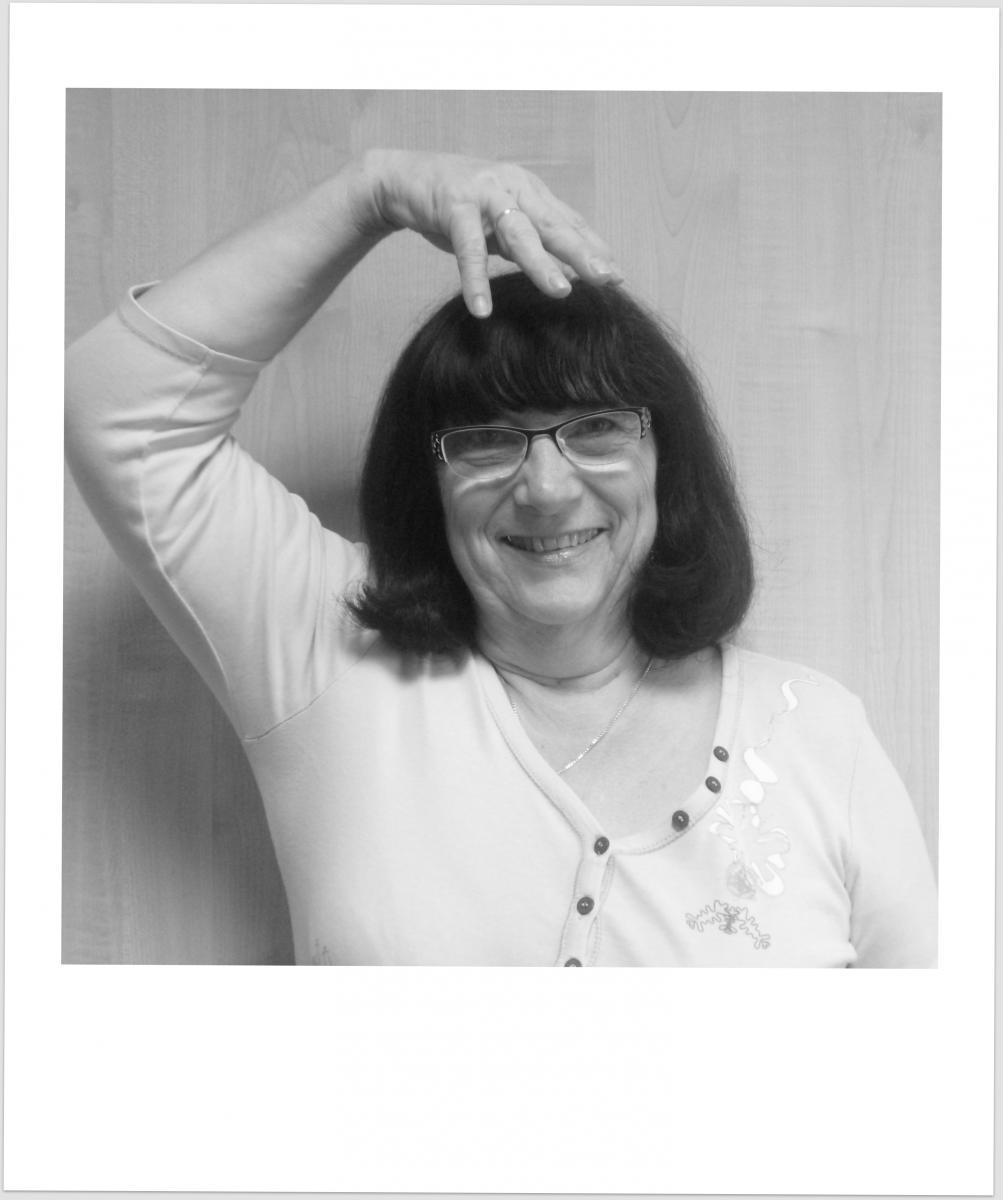 Photo et signe de Geneviève Peltier